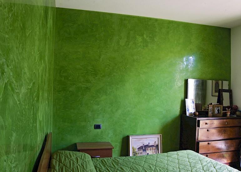 Венецианская штукатурка зеленого цвета