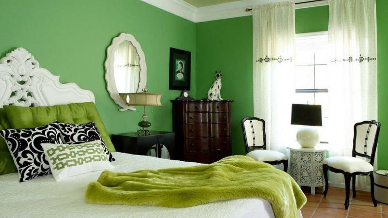 зеленые обои в спальне