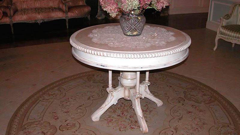 круглый столик в стиле прованс