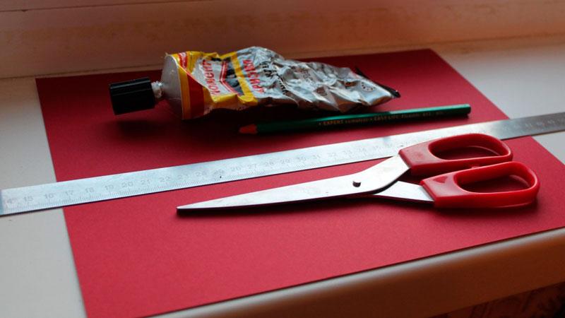 клей ножницы карандаш