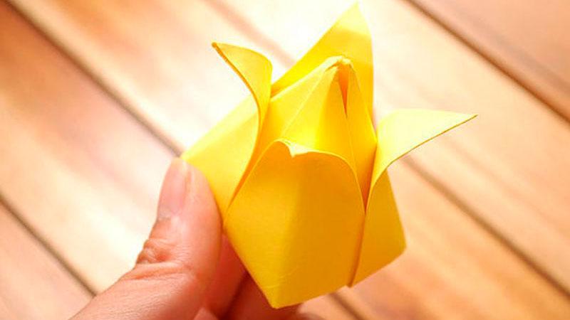 оригами розы из бумаги готово